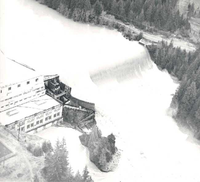 1964-flood-at-Faraday-Dam.jpg